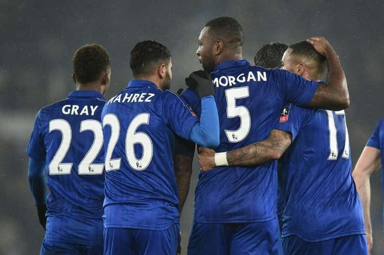Le capitaine Wes Morgan vient doffrir légalisation à Leicester City à Derby County, en Coupe dAnglet