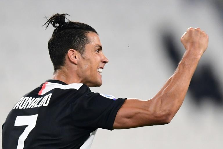 Cristiano Ronaldo soulagé après son coup franc — Juventus