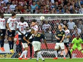 Djibril Sidibé (N.19) inscrit le premier but de Monacop conter Lille à Villeneuve-dAscq, le 10 septembre 2016