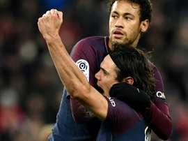 Cavani e Neymar estiveram em noite 'sim'. EFE