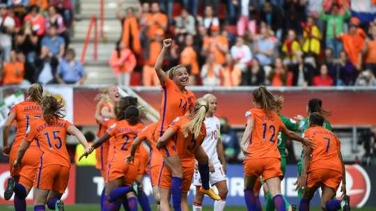 Les Néerlandaises exultent après avoir gagné la finale de l'Euro face au Danemark, le 6 août. AFP