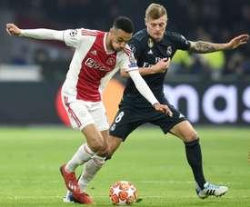 Mazraoui pense que l'Ajax ne doit pas changer de style. AFP