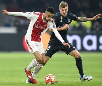 Noussair Mazraoui podría abandonar el Ajax en este mercado estival. AFP/Archivo