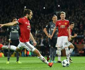 Daley Blind marque un penalty pour Manchester United. AFP