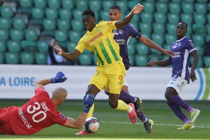 Nantes sauve sa place en L1, Toulouse reste en L2. AFP