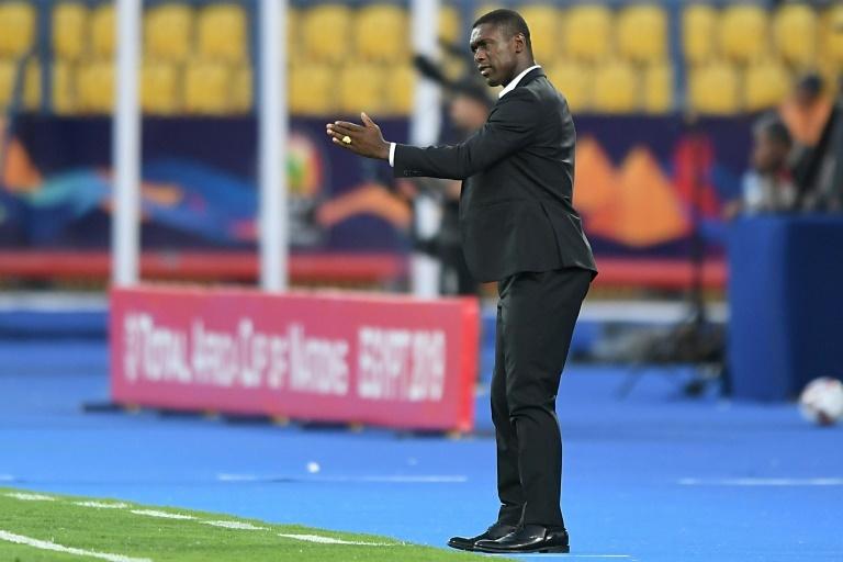 Camerún echa a Seedorf: