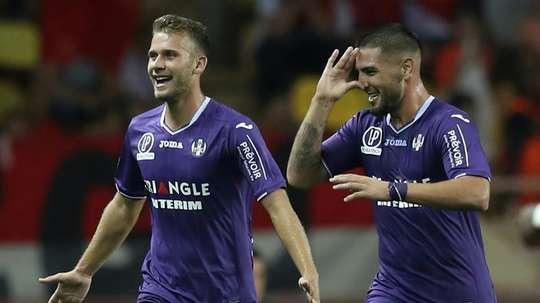 Alexis Blin (g) avec Andy Delort après un but contre Monaco. AFP