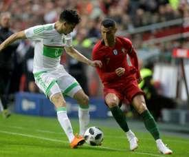 El defensa argelino es uno de los preferidos de Rubi para el lateral derecho. AFP