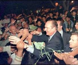 Chirac, véritable héros en Bolivie pour sa défense du foot en altitude. AFP