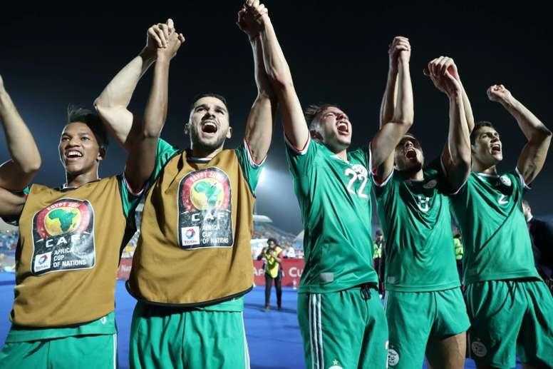 Argélia elimina Costa do Marfim nos pênaltis e vai às semi. AFP