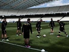 Des joueurs de lAEK Athènes, le 4 avril 2015 à léchauffement