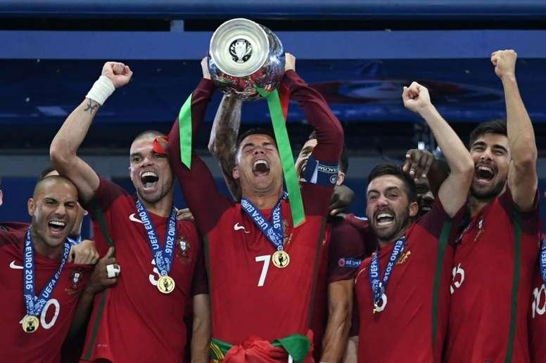 La UEFA descarta suspender la Eurocopa y estudia cuatro alternativas. AFP