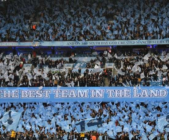 El City prohibió a sus aficionados que bebieran alcohol antes de medirse con el Dinamo. AFP
