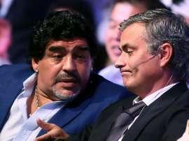 Mourinho salue Maradona. AFP