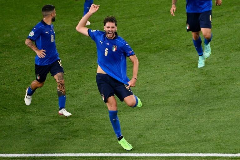 Locatelli, durante un partido con Italia