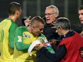 L'entraîneur italien de Nantes Claudio Ranieri énervé durant le match face à Tours. AFP