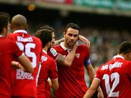 Le capitaine du FC Séville Vicente Iborra inscrit le but de la victoire face au Betis. Goal