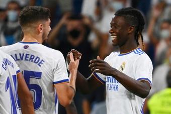 Camavinga y Valverde rinden a la perfección juntos en el centro del campo. AFP