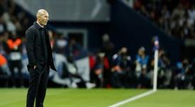 Zidane e o puxão de orelha nos jogadores. AFP