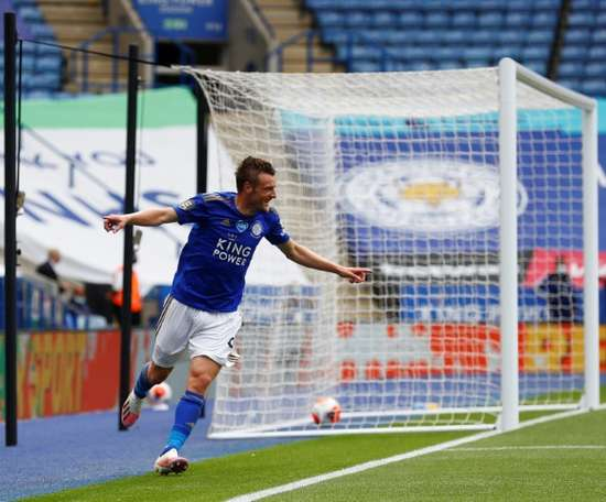 Jamie Vardy, artilheiro isolado da Premier League. AFP