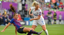 Lieke Martens quiere levantar el trofeo europeo. AFP