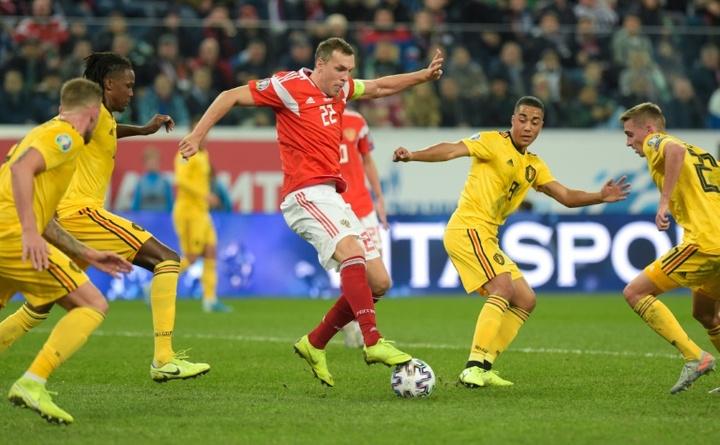 Karpin se carga a Dzyuba en su primera lista con Rusia. AFP