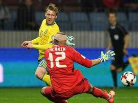 Emil Forsberg ouvre le score pour la Suède face au Belarus en qualif pour le Mondial-2018. AFP