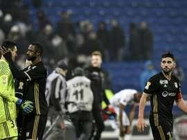 La déception des joueurs Lyonnais battus par Guingamp en Coupe de la Ligue au Parc Ol, le 14 décembre 2016