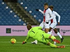 Mbappé se unió a Rocheteau, Pauleta, Ibra y Cavani en el club de los 100 goles. AFP