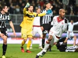 Lattaquant de Bordeaux Diego Rolan (d) buteur face à Angers, le 14 janvier 2017 à Angers