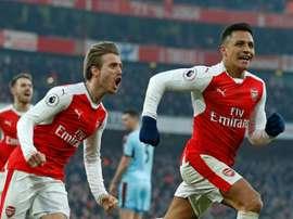 Importante triunfo do Arsenal na luta por um lugar na Champions. AFP
