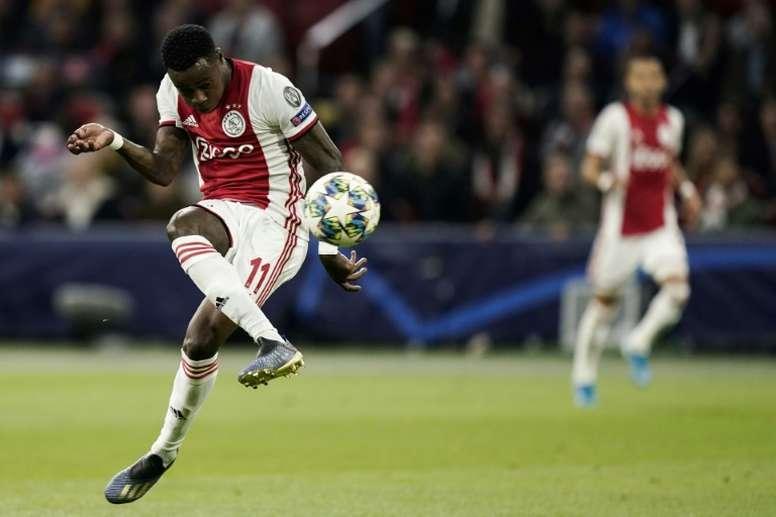 Promes está volviendo a brillar en el Ajax. AFP