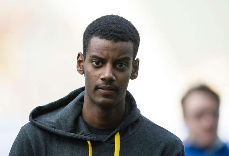 Isak inscrit trois penaltys contre Sittard. AFP