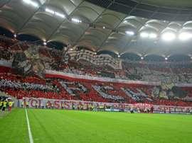 Un tifo géant organisé par les supporters du Dinamo avant le derby de Bucarest contre le Steaua. AFP