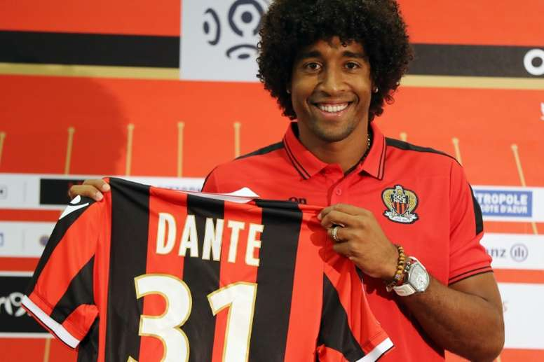 Dante, uno de los jugadores insignia del Niza. AFP