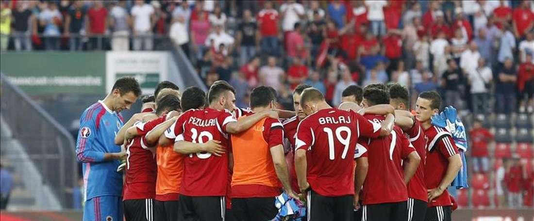El futbolista ha asegurado que tiene claro que defenderá a muerte al combinado albano. EFE