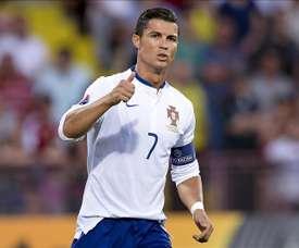 Tres goles de Cristiano Ronaldo reforzaron el dominio del grupo I de la fase de clasificación para la Eurocopa 2016 de Portugal. EFE