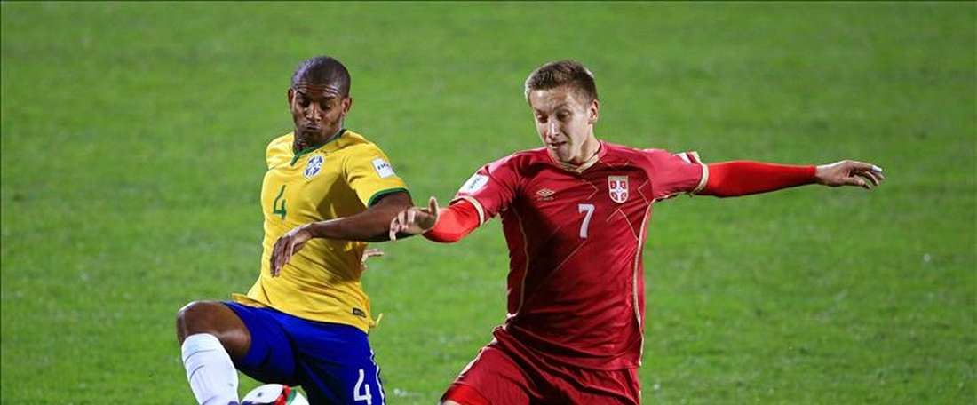 Serbia se proclamó campeona mundial sub-20 al imponerse a Brasil por 2-1 en la final de Nueva Zelanda 2015 con un tanto en la prórroga de Nemanja Maksimovic. EFE