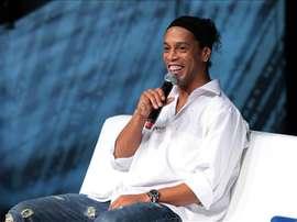 Fotografía tomada el pasado 5 de septiembre en la que se registró al futbolista brasileño Ronaldinho Gaúcho, quien rescindió el contrato que le unía al Querétaro mexicano. EFE/Archivo