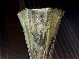 Vista del trofeo de la Liga Europa. EFE/Archivo