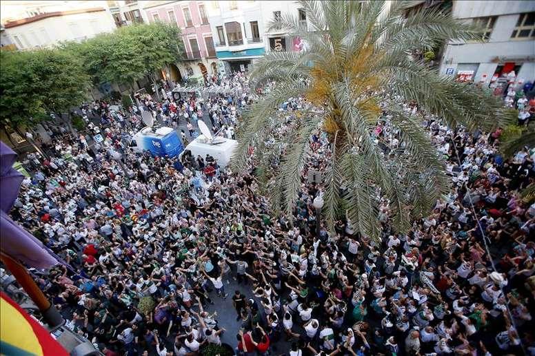 Los aficionados del Elche quieren la vuelta de Rafa Fernández. EFE/Archivo