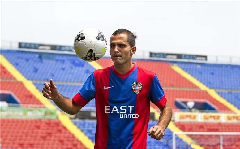 El nuevo jugador del Levante UD, José Antonio García Rabasco Verza, el día de su presentación en estadio valenciano, el pasado mes de junio. EFE/Archivo
