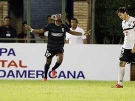 Wilder Guisao espera celebrar muchos goles también con Racing. EFE