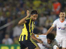 El centrocampista turco Mehmet Topal está cada vez más cerca del Espanyol. EFE/Archivo