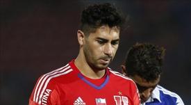 Johnny Herrera explicó la complicada situación que atraviesa el fútbol chileno. EFE/Archivo