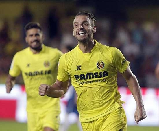 Roberto Soldado will play at Granada next season after a two year spell in Turkey. EFE