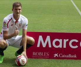 El ex zaguero del Sevilla estrecha el vínculo con la Lazio. EFE