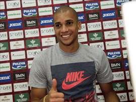El central brasileño Matheus Doria, durante su presentación oficial como jugador del Granada CF. EFE