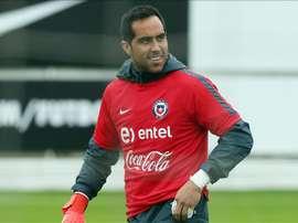 El guardameta de la selección chilena de fútbol Claudio Bravo. EFE