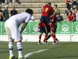 Los jugadores de la selección española celebran un gol marcado por su compañero Gerard Deulofeu. EFE/Archivo